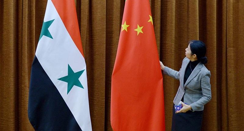 """Komentář: Čínské """"prerekvizity"""" stran obnovy Sýrie"""