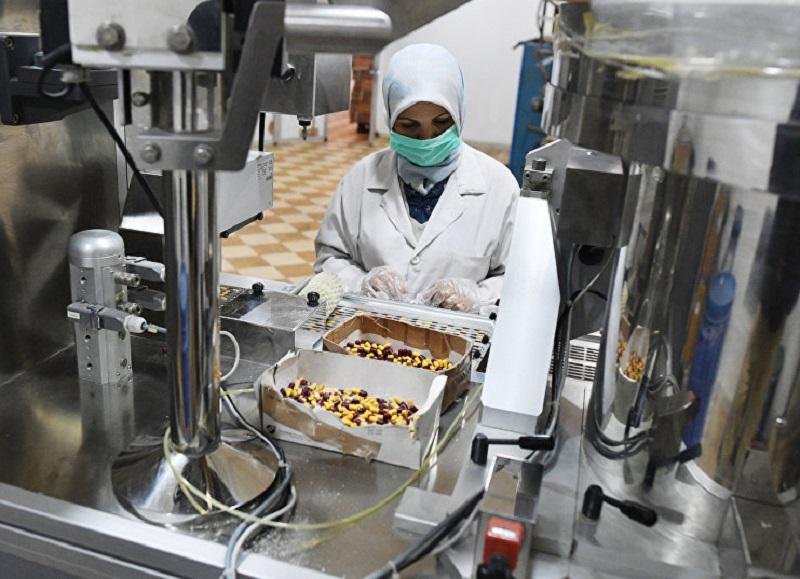 Dokončování výstavby nového farmaceutického podniku v Latákíji