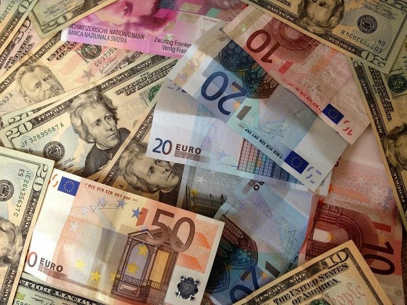 Christopher Dembik: Skutečná válka je o hegemonii dolaru