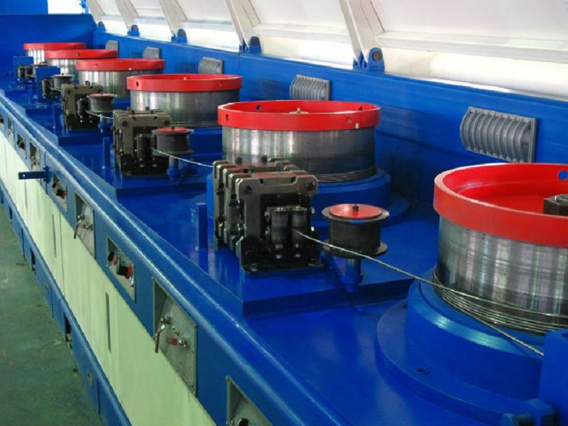 Poptávka: stroje pro výrobu průmyslových komponentů