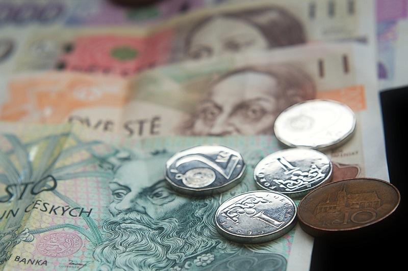 Polemika: Průměrný český plat je v globálním měřítku stále almužnou
