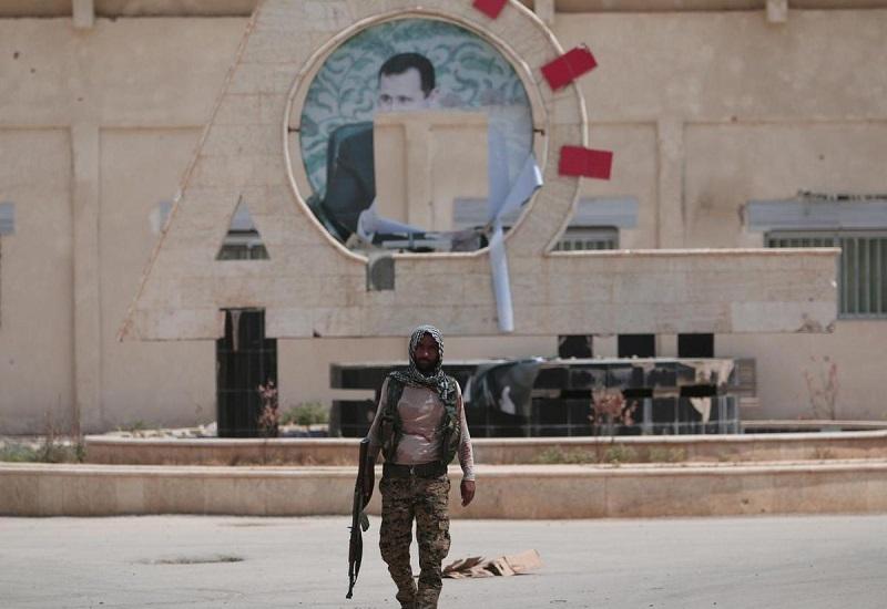 Polemika: Čelit Turkům, nebo si vzít zpět Džazíru?