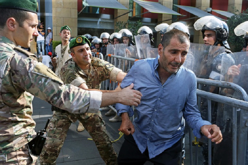 Libanon: postupující polarizace společenské scény