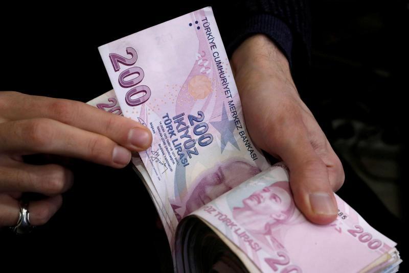 Ankara pumpuje turecké liry na sever Sýrie
