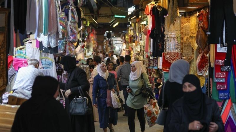 Syrská vláda tlačí na snížení cen a omezení nelegálních produktů